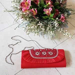 Small red frill flower rhinestone beaded clutch